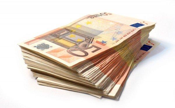 Decreto Ristori 5: bonus di 1000 euro chi può richiederlo?